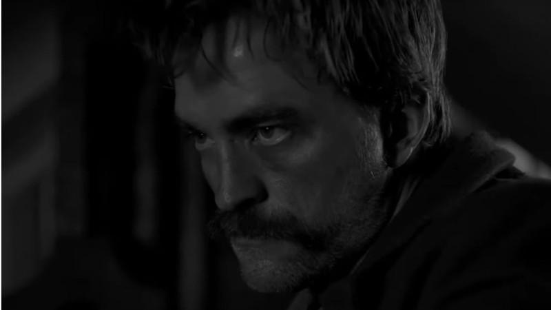 Sem a capa de Batman, Robert Pattinson brilha no primeiro trailer obscuro de The Lighthouse; assista