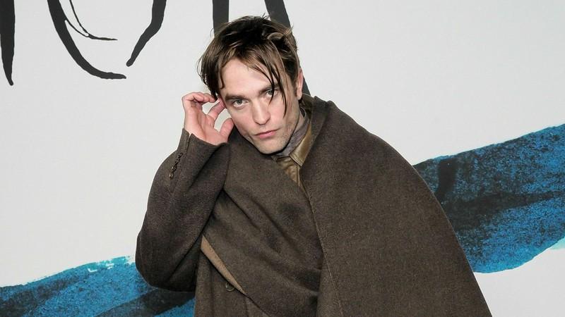 Robert Pattinson diz que vai virar ator pornô se papel de Batman não der certo
