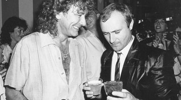 None - Robert Plant e Phil Collins (Foto: Gary Gershoff / MediaPunch/IPX)