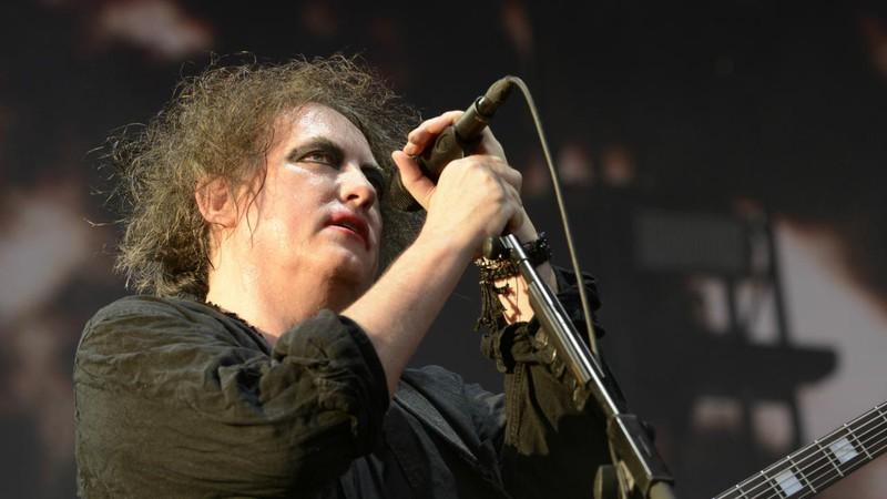 Venda de guitarras cresce entre os jovens depois do show do The Cure em festival