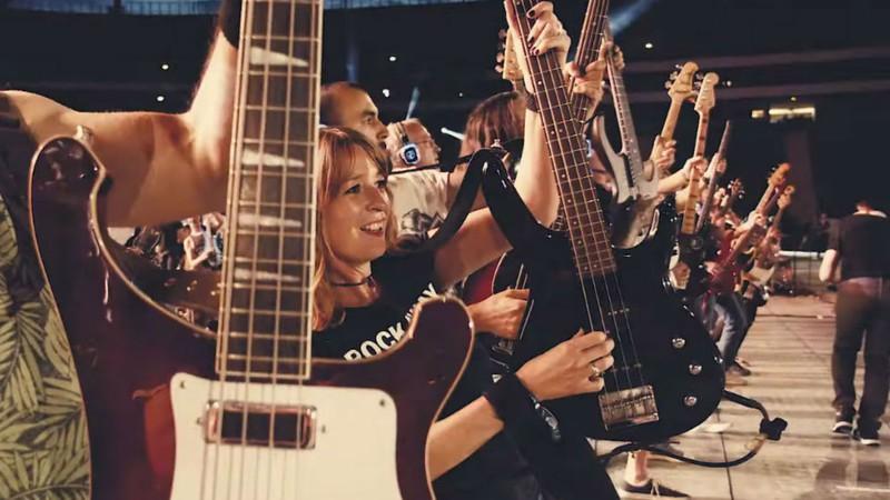 Banda de mil músicos toca 'Killing In The Name' do Rage Against The Machine; assista