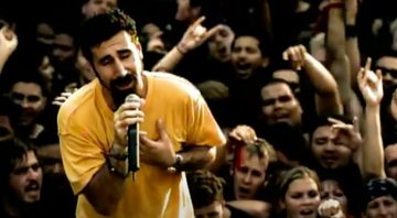 None - Serj Tankian, vocalista do System Of A Down (Foto:Reprodução/YouTube)
