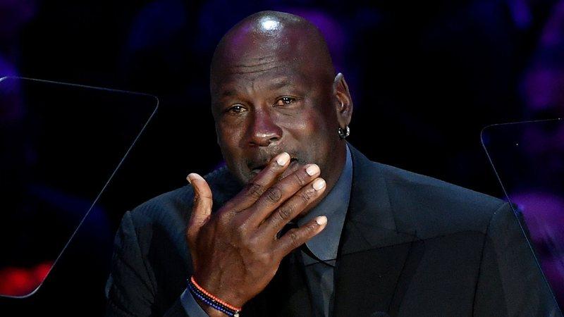 Rebotar a lo largo estafador  Rolling Stone · Michael Jordan responde aos rumores de que pai foi  assassinado devido ao vício dele em apostas