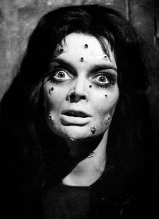 """Barbata Steele em """"A Maldição do Demônio"""", de 1960. Foto: Reprodução"""