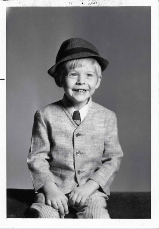 Kurt Cobain ainda criança