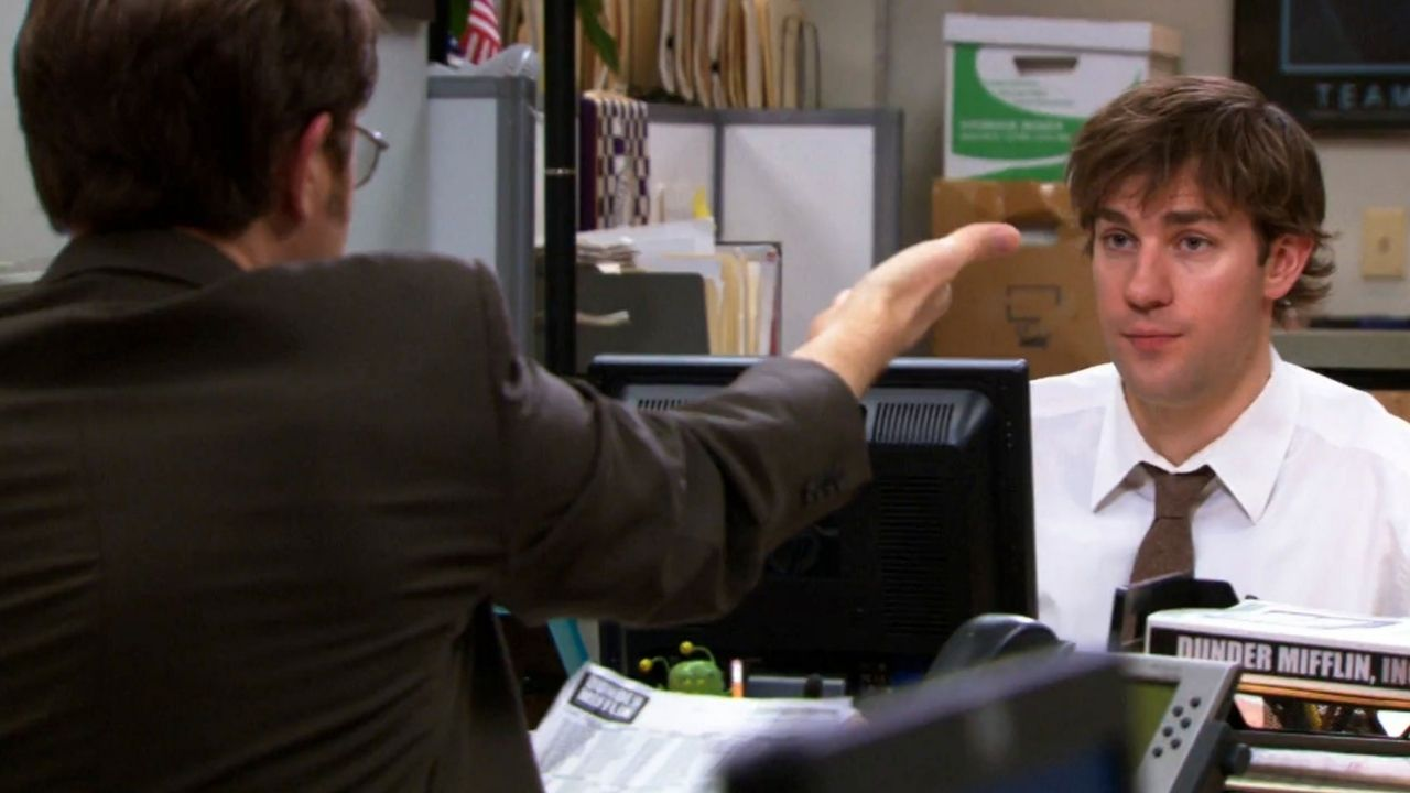 Dwight Schrute (Rainn Wilson) e Jim Halpert (John Krasinski) em The Office (Foto: Reprodução)