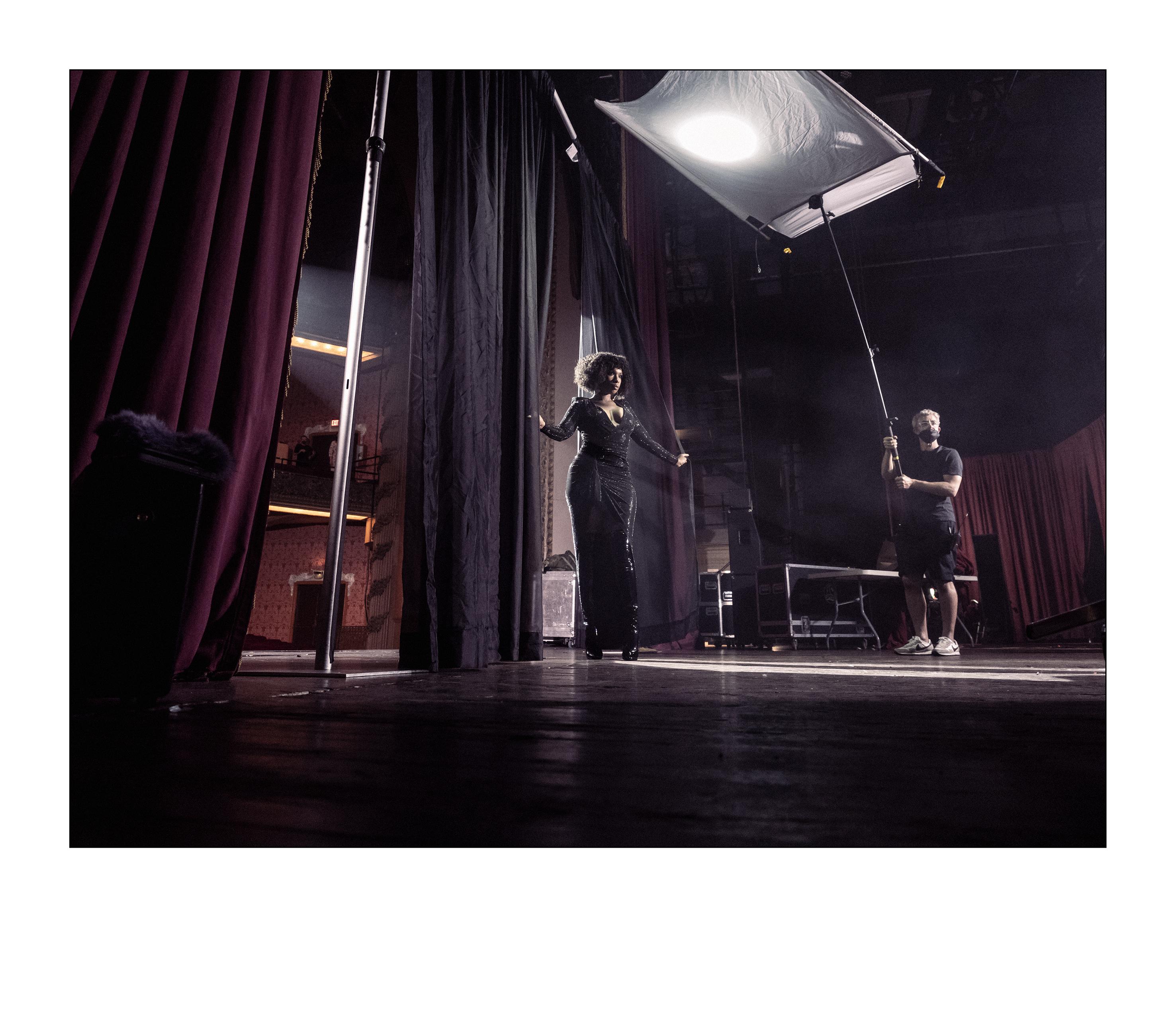 Jennifer Hudson nos bastidores do Calendário Pirelli 2022, de Bryan Adams (Foto: Alessandro Scotti)