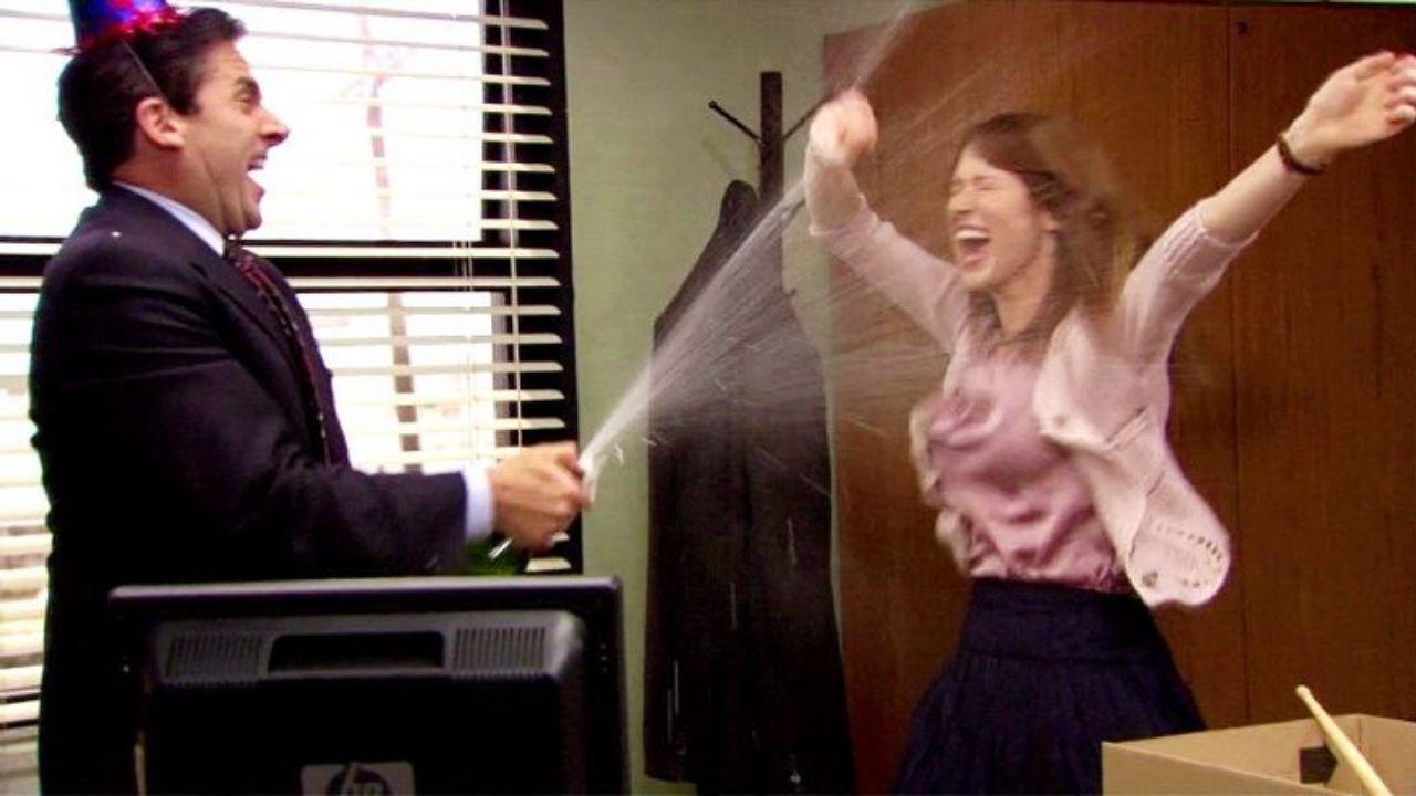 Michael Scott (Steve Carell) e Erin (Ellie Kemper) em The Office (Foto: Reprodução)