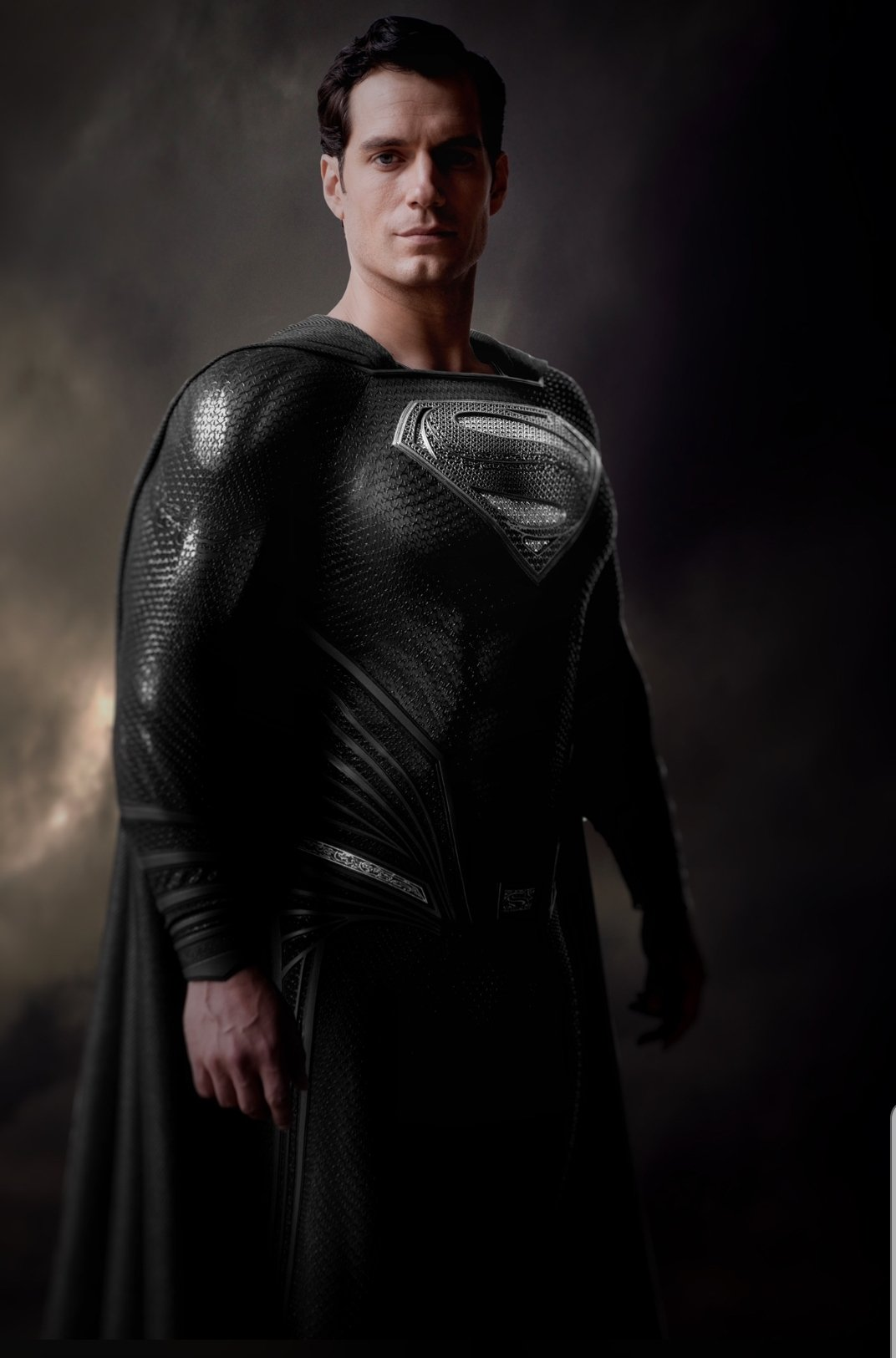 Rolling Stone · Zack Snyder mostra Superman de uniforme preto ...